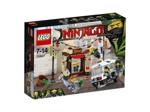 70607 LEGO® NINJAGO Verfolgungsjagd in NINJAGO® City:   Geh nach der Schule mit Lloyd, Garmadon und Nya über den Markt von NINJAGO®