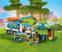 41339 LEGO® Friends Mias Wohnmobil:   Fahr mit Mia und Stephanie aufs Land zum Campen! Klapp das Dach auf, stell d