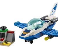 60206 LEGO® City Polizei Flugzeugpatrouille:   Spring in das Polizeiflugzeug und überwache die Straßen von LEGO®City aus d