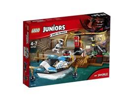 10755 LEGO® Juniors Zanes Verfolgungsjagd mit dem Ninjaboot*:   Spring auf Zanes Boot auf und begleite ihn auf der Jagd nach der Karte, die