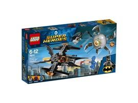 76111 LEGO® DC Universe Super Heroes™ Batman™: Brother Eye™ Gefangennahme:   Tu dich mit Batman™ und Batwoman™ zusammen, um Brother Eye™ und den Cyborg O