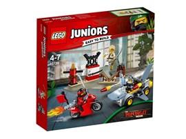 10739 LEGO® Juniors Haiangriff*:   Tu dich mit Kai und Lloyd zusammen, um spannende Ninja-Action beim Kräftemes