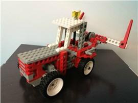 Traktor klein:   Fertiges Lego Modell Traktor               Modell aus dem Jahr