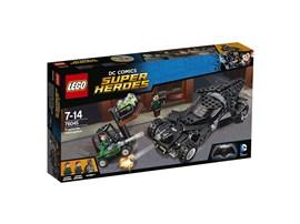 76045 LEGO® DC Universe Super Heroes™ Kryptonit-Mission im Batmobil:   Rase mit Batman™ zu den Hafenanlagen, wo die LexCorp-Handlanger gerade das K
