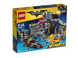 70909 The LEGO Batman Movie™ Batcave-Einbruch:   Der Pinguin ist auf seinem Entenmobil in die Höhle eingedrungen und ist drau