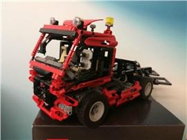 Truck:   Fertiges Lego Modell Truck mit Pneumatik Kran   Modell aus dem Jahr 2004-