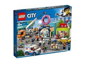 60233 - LEGO® City - Große Donut-Shop-Eröffnung:   Das actiongeladene Set wurde von der animierten LEGO®City TV-Serie inspirie