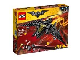 70916 The LEGO Batman Movie™ Batwing:   Setze Batman™ und Robin™ ans Steuer des megastarken Batwing und schalte in d