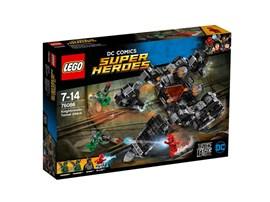 76086 LEGO® DC Universe Super Heroes™ Knightcrawlers Tunnel-Attacke: Benutze Batmans superflexiblen Knightcrawler, um dich in die Tunnel auf Stryker'