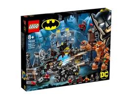 76122 - LEGO® DC Universe Super Heroes™ - Clayface™ Invasion in die Bathöhle:   Kinder können ihre eigenen spannenden Geschichten erfinden – mit dem 1.037-t